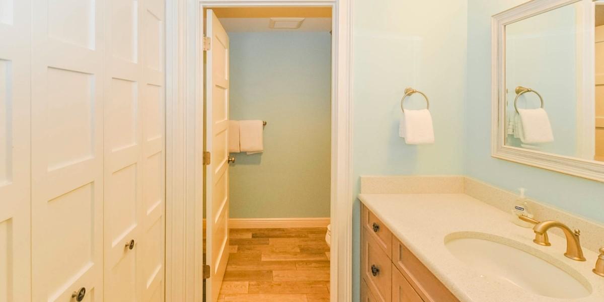 113_12_2ndbathroom_s