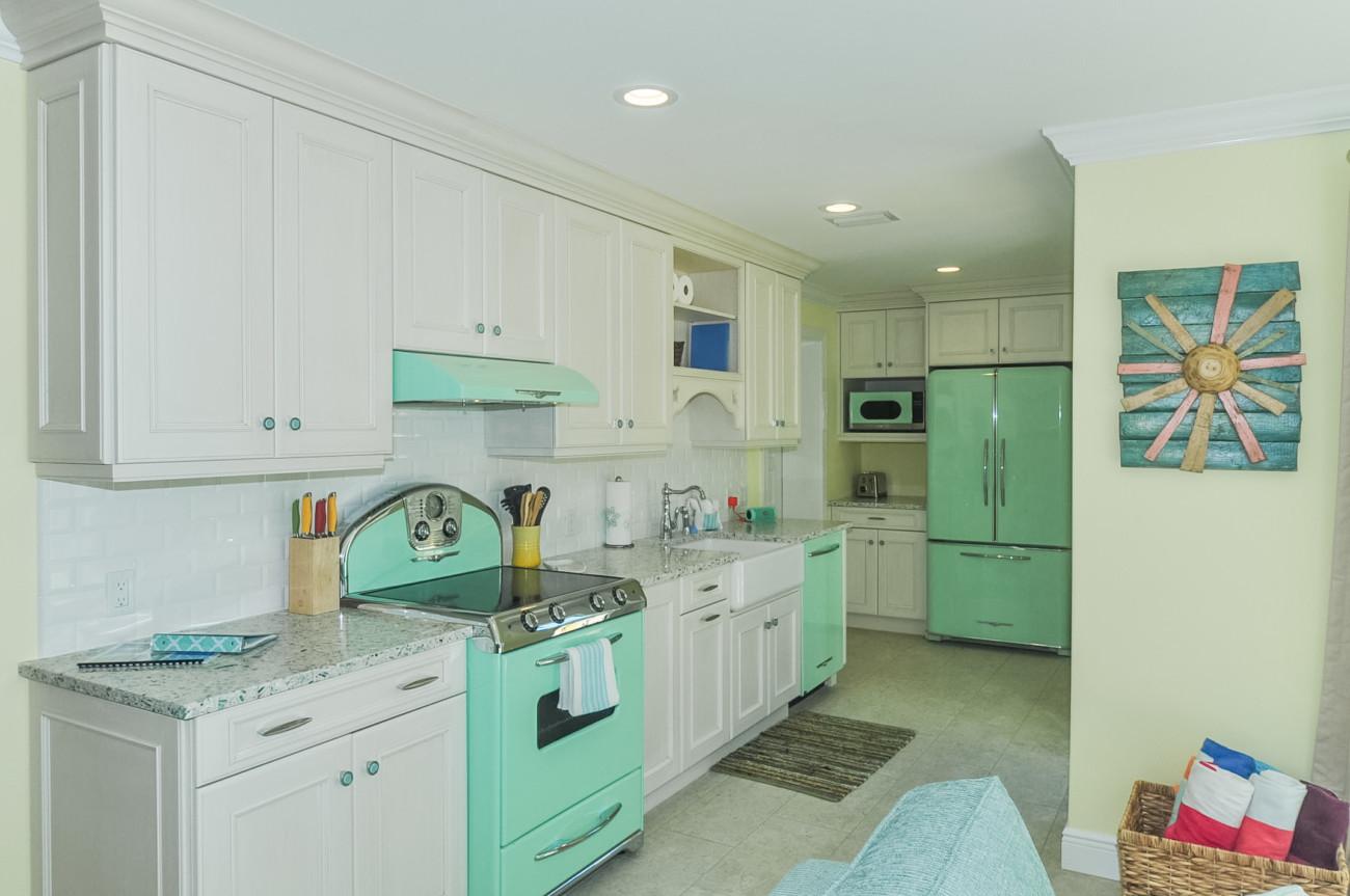 04_6806_Kitchen