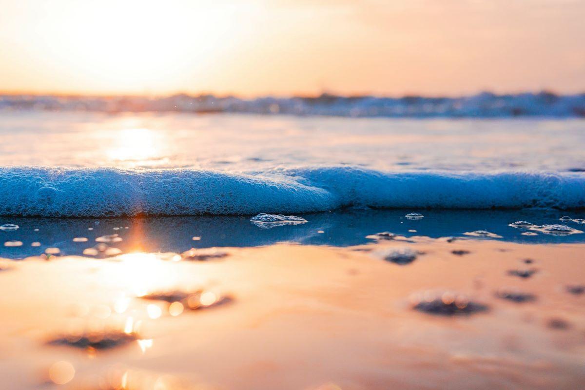ocean surf up close